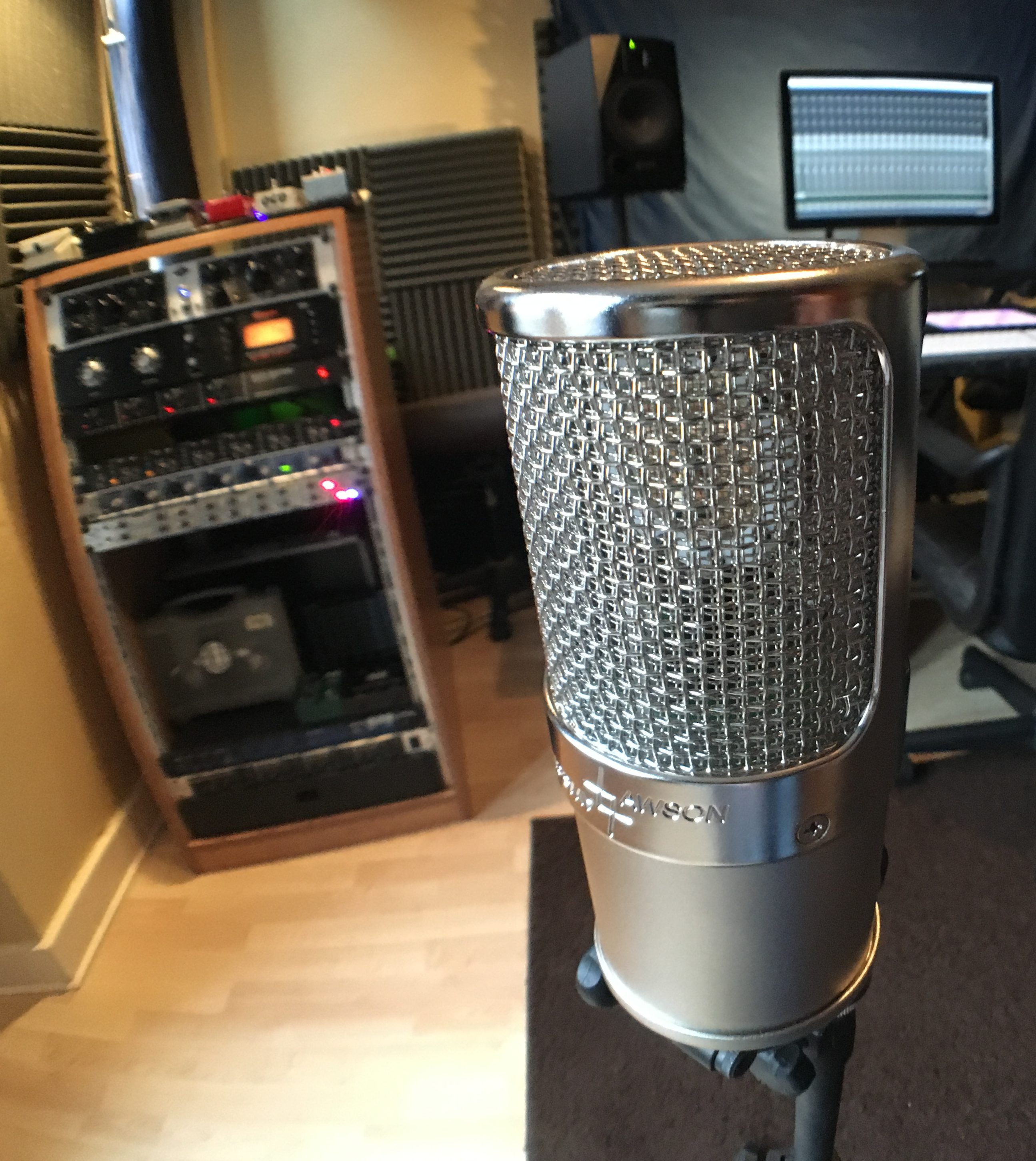 Lawson 47 Microphone at Reego Studio